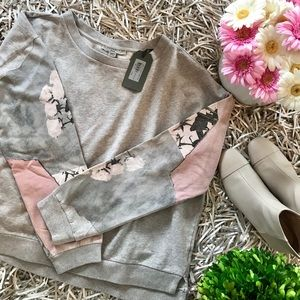 🐘All Saints light grey floral sweater S